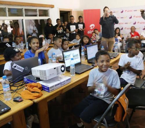 madagascar-Airtel Madagascar offre du matériel informatique à l'ONG Habaka à l'occasion de l'Africa Code Week