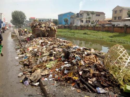 madagascar-D'importants travaux au sein des canaux d'évacuation dans les bas quartiers de Tananarive