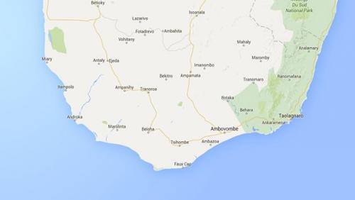 madagascar-Madagascar : le navire échoué au large de Faux-Cap se brise en deux