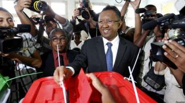 madagascar-Madagascar : l'UA et l'ONU contre des élections anticipées