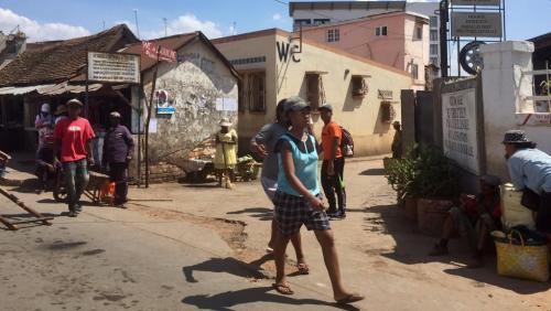 madagascar-Madagascar tente de convaincre les bailleurs de soutenir son développement