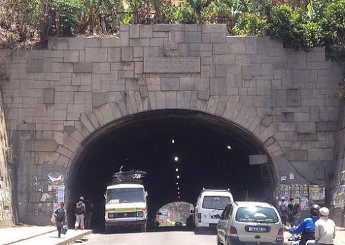 madagascar-Intox : effondrement tunnel Ambanidia