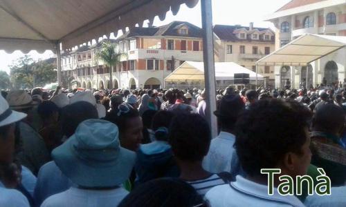 madagascar-Reportage photos: Malgré le verdict du HCC, le mouvement « MIALA RAJAO » prend de l'ampleur
